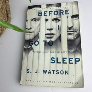 2/$20 S. J. WATSON Before I Go To Sleep Book